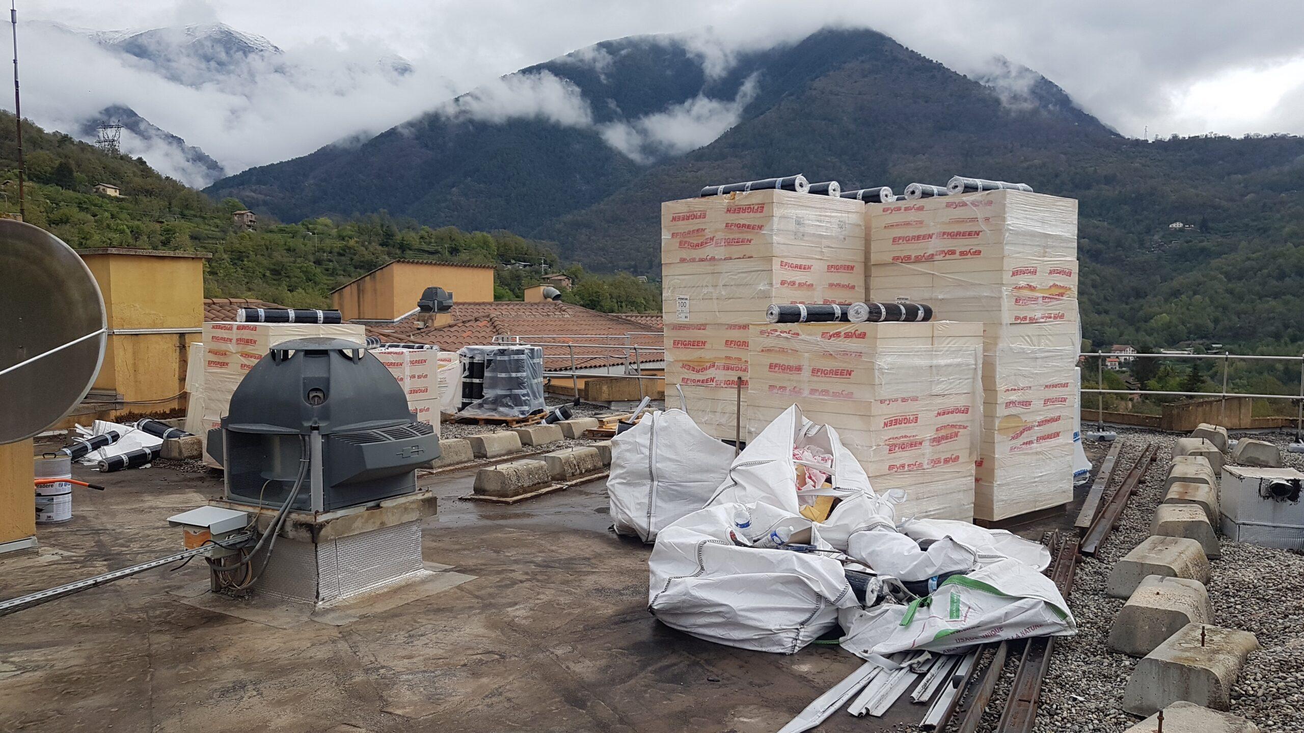 Réfection complète étanchéités toitures terrasses d'un hôpital à Roquebillière